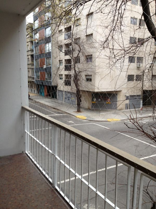 Balcon de departmento con red hasta el piso